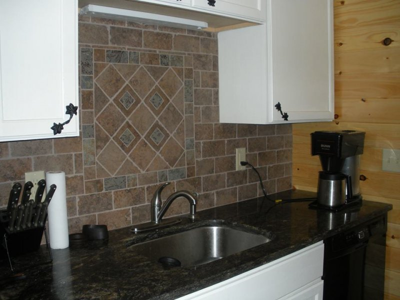 cressey_backsplash2