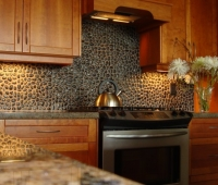 pebbletilebacksplash