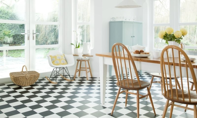 checker-vynal-flooring